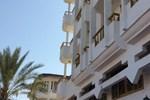 Отель Dolphin Inn
