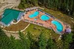 Отель Crazy Creek Resort Ltd.