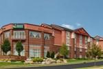 Отель Quality Inn & Suites Madison