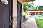 Хостел Rancho los Toros Hotel& Hostal