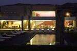Отель Hotel Limari