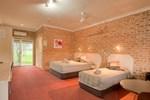 Отель Gloucester Country Lodge Motel