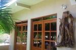Отель Maximos Petit Hotel