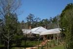 Отель Redgum Hill Country Retreat