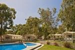 Отель Crystal Brook Tourist Park
