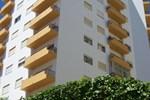 Апартаменты Apartamentos Turísticos Coral da Rocha 3