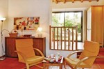 Апартаменты Holiday home rue du Chateau P-755