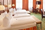 Отель BEST WESTERN Plus Hotel Goldener Adler Innsbruck