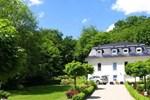 Апартаменты Weisses Haus am Kurpark- Waldblick