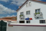 Хостел Obidos Wine & Surf Hostel