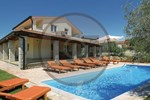 Апартаменты Holiday home Tar-Vabriga 55