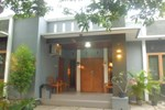 Апартаменты Nusawiru Guest House