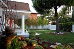 Апартаменты The Luxurious West Hollywood Cottage