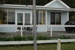 Апартаменты A Lakehouse on Burrill Lake