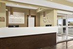 Отель Microtel Inn & Suites by Wyndham Estevan