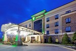 Отель Holiday Inn Arlington Northeast