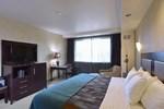 Отель Seven Feathers Casino Resort