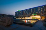 Отель Holiday Inn Express Zhengzhou Airport
