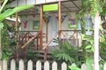 Апартаменты Saigoncito Double Room with Kitchen and Bikes