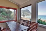 Апартаменты Holiday home Simons Town Lodge