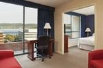 Отель Sheraton Suites Old Town Alexandria