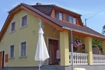 Апартаменты Holiday Home Balatonfuzfo 1