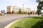 Отель Hampton Inn & Suites Kalamazoo-Oshtemo