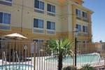 Отель La Quinta Inn & Suites Hesperia Victorville