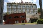 Отель Cama Hotel-Ahmedabad