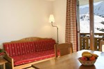 Two-Bedroom Apartment Hameau Des Aiguilles 2