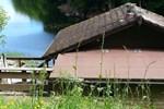 Апартаменты Lakeside cabin Lac de chaumecon
