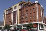 Отель Hotel Carbayon