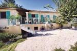 Апартаменты Holiday home St Anastasie s Issoles 45 with Outdoor Swimmingpool
