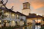 Отель Ayres Hotel Redlands