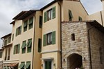 Отель Town Square Suites by Toscana Valley