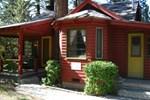 Апартаменты RedAwning A Sweet Pine Cabin