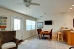 Апартаменты RedAwning Holmes Beach Cottage 202