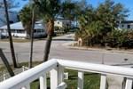Апартаменты RedAwning Palm Cay Unit 8