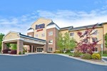Отель Fairfield Inn & Suites Cherokee