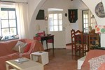 Апартаменты Three Bedroom House in Burgau