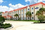 Отель Microtel Inn and Suites by Wyndham - Lady Lake/ The Villages