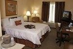 Отель Hampton Inn & Suites Denton