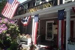 Отель Concord's Colonial Inn
