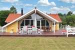 Апартаменты Holiday home Lyngengen A- 2789