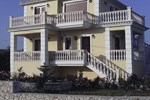 Villa Alonia