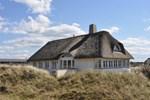 Апартаменты Holiday home Lyngvej Ulfborg
