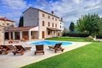 Вилла Villa Moncalvo 356