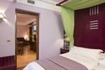 Отель Suites Gran Vía 44