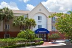 Отель Candlewood Suites Clearwater
