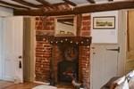 Апартаменты Sarah's Cottage